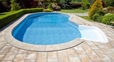 La piscina in giardino consigli per mantenerla sempre in