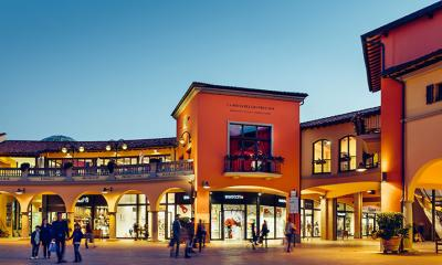 SHOPPING IN OUTLET 45fdabb84f4